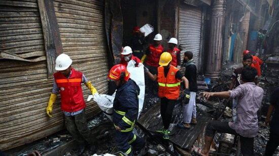 حریق در بنگلادش ۷۰ کشته برجا گذاشت